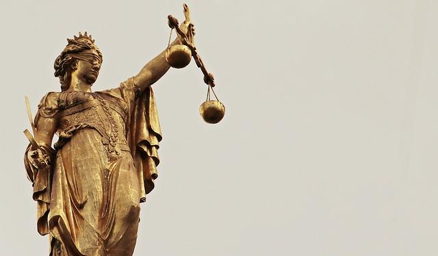justitia-2597016_640