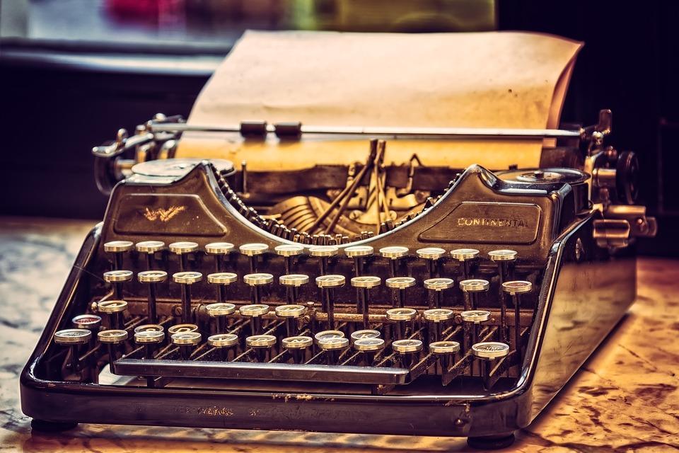 typewriter-3711590_960_720
